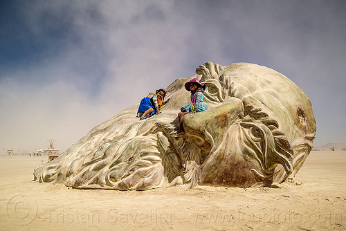 kids on da vinci's head - burning man 2016, art installation, burning man, children, da vinci head, giant head, kids, little girls, sculpture