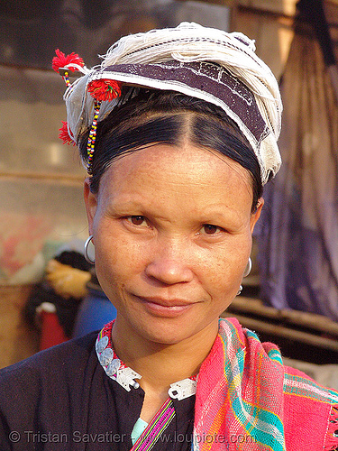 """kim mun lantien sha"" dao/yao tribe woman wearing celestial crown headdress - vietnam, asian woman, bảo lạc, celestial crown, dao tribe, dzao tribe, hat, headdress, headwear, hill tribes, indigenous, kim mun lantien sha, yao tribe, zao tribe"