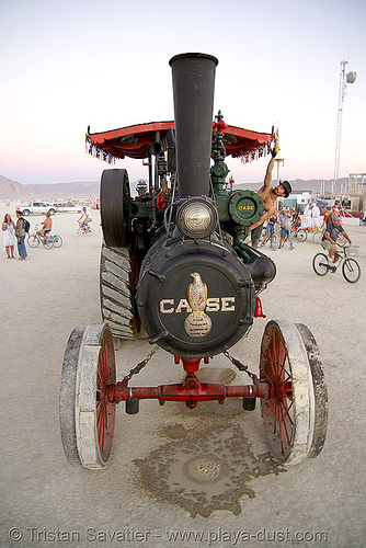 kinetic steam works' case traction engine hortense - front view - burning man 2007, art car, case steam engine, kinetic steam works, ksw, steam tractor, steampunk