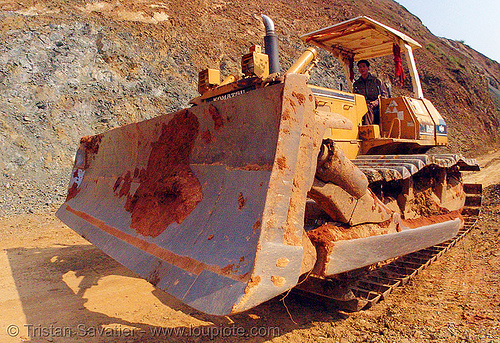 komatsu D50P bulldozer - vietnam, at work, cao bằng, fisheye, groundwork, komatsu bulldozer, komatsu d50p, plow, road construction, roadworks, vietnam, working