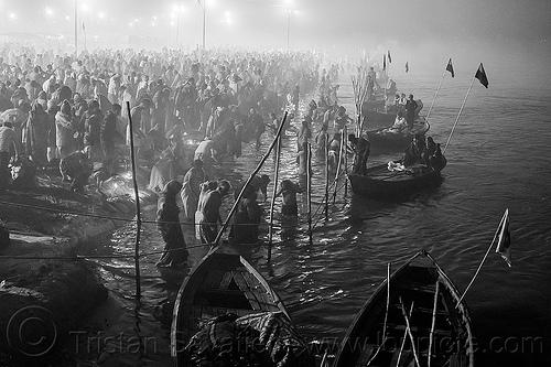 kumbh mela 2013 (india), crowd, fence, ganga, ganges river, hindu pilgrimage, hinduism, holy bath, holy dip, india, kumbh maha snan, maha kumbh mela, mauni amavasya, nadi bath, night, river bank, river bathing, river boats, triveni sangam