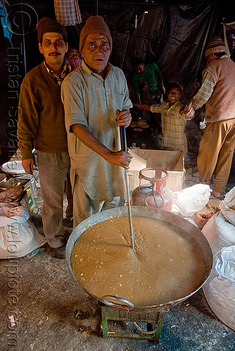 langar (free community kitchen) - amarnath yatra (pilgrimage) - kashmir, amarnath yatra, community kitchen, cooking, cooks, food, free kitchen, hiking, hindu pilgrimage, india, kashmir, langar, pilgrim, trekking
