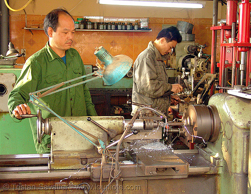 lathe machine tool - machine shop - vietnam, cao bang, cao bằng, machine tooling, man, metal lathe, operating, operator, people, running, spinning, turning, worker, working, workshop