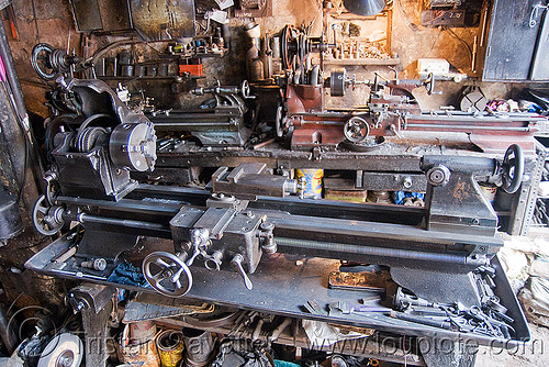 lathes in machine shop, delhi, machine shop, machine tools, machines, mechanical workshop, metal lathes, mohd. yusuf & sons