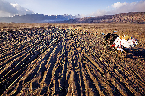 lautan pasir - sea of sand, desert, honda supra, java, lautan pasir, motorbike touring, motorcycle touring, ruts, sand, tengger caldera, tracks, underbone motorcycle, volcanic ash