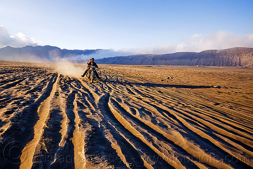 lautan pasir - sea of sand, children, couple, desert, family, java, kids, lautan pasir, man, motorbike touring, motorcycle touring, rider, riding, ruts, sand, tengger caldera, tracks, underbone motorcycle, volcanic ash, woman