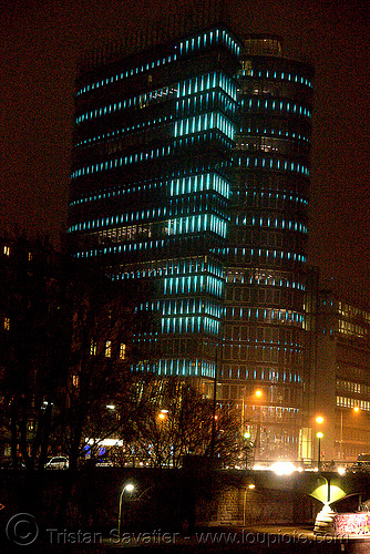 the LED-light-morphing uniqa tower in vienna, building, glowing, high-rise, led lights, licht kunst, morphing, night, tower, twists and turns, uniqa, vienna, wien