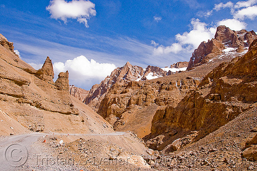 limestone canyon near pang - manali to leh road (india), canyon, gorge, ladakh, limestone, mountains, pang, valley