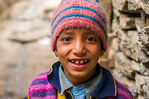 little boy with pink knit cap in himalayan village (india), boy, child, janki chatti, kid, knit cap, people, pink, teeth