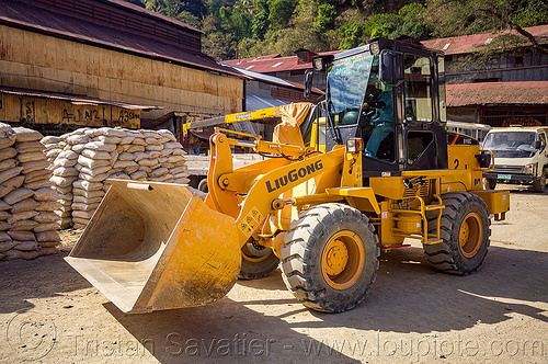 liugong wheel loader - balatoc mines (philippines), balatoc mines, front loader, gold mine, liugong, luigong 816c, philippines, wheel loader