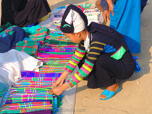 """lo lo den"" tribe girl selling colorful cloth - vietnam, black lo lo tribe, bảo lạc, hat, headwear, hill tribes, indigenous, lo lo den tribe, people"
