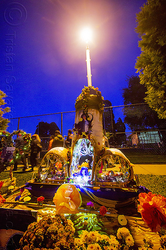 lord huckleberry - altar de muerto - dia de los muertos 2013 (san francisco), altar de muertos, candles, day of the dead, dia de los muertos, halloween, memorial, night