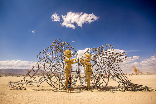 love sculpture - burning man 2015, alexandr milov, art installation, babies, frame, metal, sculpture, sitting, statue, tubes, two