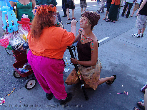 lucy getting painted - how weird street faire (san francisco), body art, body paint, body painting, elgeacho, how weird festival, lucy