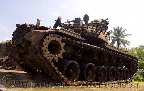 "M48 ""patton"" tank - M48A3 - vietnam war, american, army museum, army tank, hué, m48 tank, m48a3 tank, military, patton tank, rusted, rusty, vietnam war"