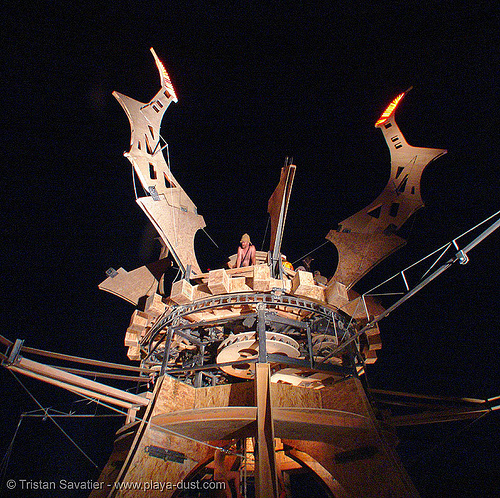 the machine by seattles machine crew - burning-man 2005, art installation, burning man, night, seattle's machine crew, the machine