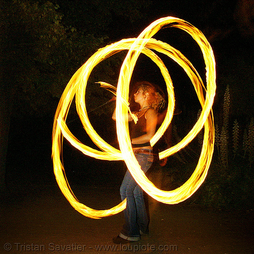 maddie spinning fire poi (san francisco), fire dancer, fire dancing, fire performer, fire spinning, flames, long exposure, night, people