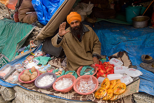 man and his shop - amarnath yatra (pilgrimage) - kashmir, amarnath yatra, kashmir, man, pilgrim, pilgrimage, shop, tent, trekking, yatris, अमरनाथ गुफा