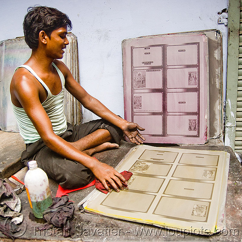 man cleaning an offset printing plate (india), delhi, jayyed press, man, offset printing machine, print shop, printing shop, worker, working
