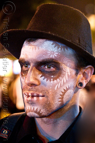 man with stencil airbrush skull makeup - dia de los muertos - halloween (san francisco), airbrush, day of the dead, dia de los muertos, face painting, facepaint, halloween, hat, icarus zaure, makeup, man, night, stencil