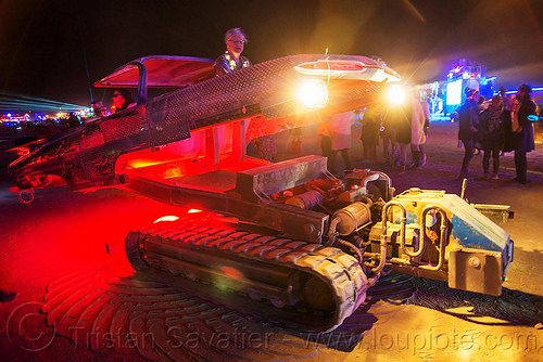 maria del camino - tracked art car - burning man 2016, art car, burning man, hydraulic, night