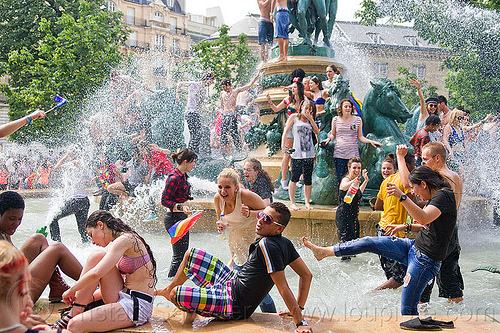 melee in luxembourg garden fountain, basin, crowd, fontaine de l'observatoire, gay pride, mayhem, men, mêlée, paris, people, playing, pool, splash, splashing, wading, water, water fight, wet, women