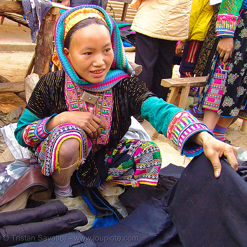 mien yao/dao tribe woman - vietnam, asian woman, dzao tribe, gold teeth, hill tribes, indigenous, market, mien dao tribe, mien yao tribe, mèo vạc, tribe girl, zao tribe