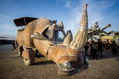 the mighty rhino redemption art car - burning man 2015, art car, burning man, kevin clark, mutant vehicles, rhino redemption, rhinoceros