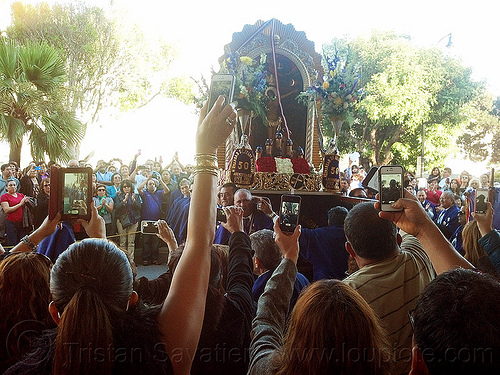 mobile photo sharing - señor de los milagros procession (san francisco), cameras, cellphones, crowd, crucified, float, jesus christ, lord of miracles, mobile phones, mobiles, painting, parade, paso de cristo, peruvians, sacred art, señor de los milagros, sharing, social media, taking photos