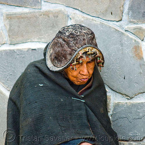 montero hat (bolivia), indigenous, montero hat, old woman, quechua, safety pin, tarabuco