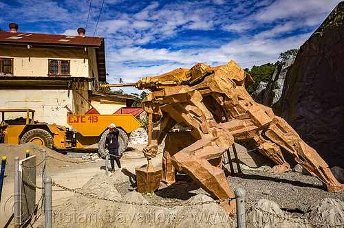 monument to gold miners - balatoc mines (philippines), balatoc mines, gold mine, monument, philippines, sculpture