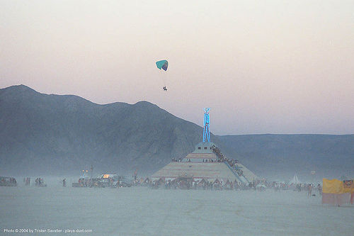 motorized paragliding - burning man 2003, burning man, flying, paramotor, paramotoring, paraplane, powered paraglider, powered paragliding, the man