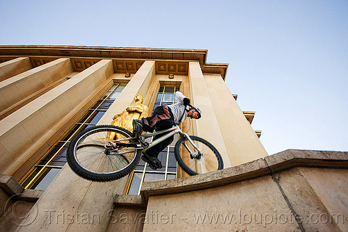 mountain bike trials training - trocadero (paris), bicycle, bike trials, bmx, freestyle, man, mountain bike, mountain biking, palais de chaillot, paris, trial bike, trocadero, trocadéro, vtt