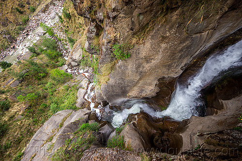 mountain stream flowing down a steep ravine (india), dhauliganga valley, flowing, gully, mountains, ravine, river, rock, stone, stream, water