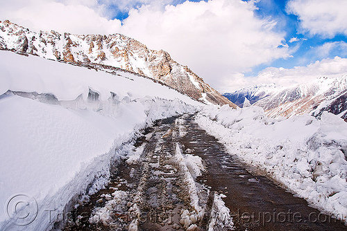 mud and snow on the road - khardungla pass - ladakh (india), india, khardung la pass, ladakh, mountain pass, mountains, mud, road, snow
