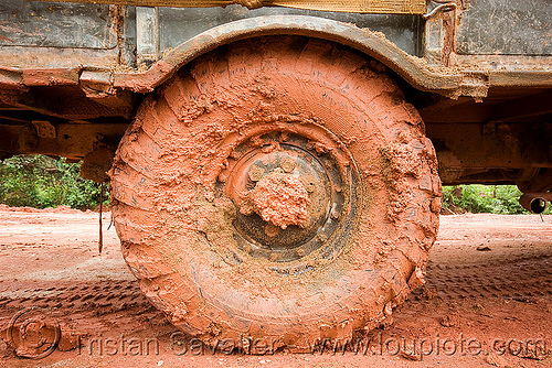 muddy wheel - GAZ-66 russian truck (laos), 4x4, all terrain, army truck, laos, lorry, military truck, road, tire, truck mud tires, газ, го́рьковский автомоби́льный заво́д