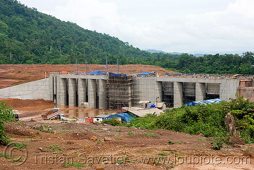 nam theun 2 hydroelectric project (laos) - regulation dam on downstream canal, concrete, construction, dam, flood control, floodgates, hydro-electric, laos, nam theun 2 hydroelectric project, nam theun power company, ntpc