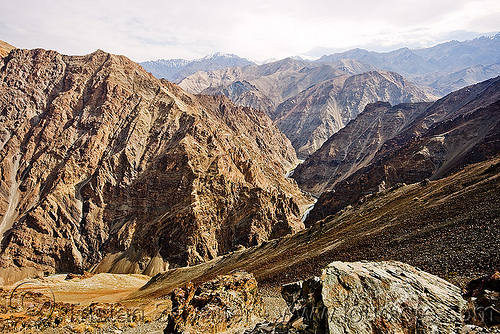 near lamayuru - leh to srinagar road - ladakh (india), india, ladakh, lamayuru, mountains, v-shaped valley