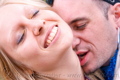 neck kissing, apollo solare, juliet, kiss, kissing, man, neck, party, raver, woman