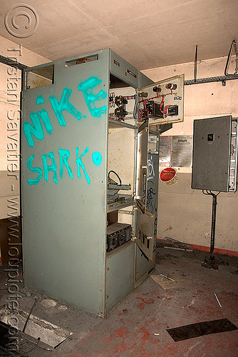 nike sarko graffiti - nique sarkosy - abandoned electrical equipment, abandoned, electric, electrical closet, graffiti, nike sarko, tag, trespassing, urban exploration