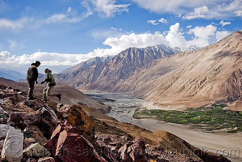 nubra valley - ladakh (india), ladakh, men, mountains, nubra valley, river bed, rocks, satti