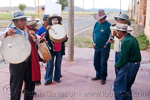 old gauchos celebrating carnaval in abra pampa - humahuaca (argentina), abra pampa, andean carnival, argentina, band, caja, drummers, drumming, drums, folklore, gauchos, hat, man, music, noroeste argentino, old, quebrada de humahuaca