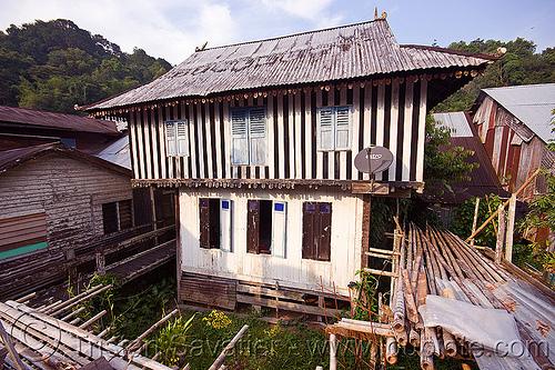 old house - annah rais longhouse (borneo), annah rais, astro, dbs, house, longhouse, satellite dish, village