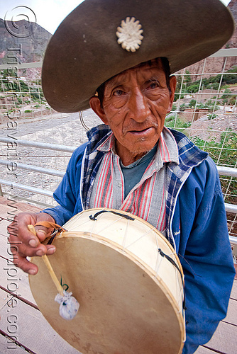 old man playing drum (argentina), caja, drummer, hat, indigenous, iruya, musical instrument, noroeste argentino, people, percussion, player, quebrada de humahuaca, quechua