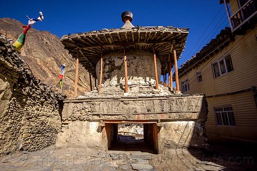old stupa - kagbeni village (nepal), annapurnas, buddhism, kagbeni, kali gandaki valley, stupa, village