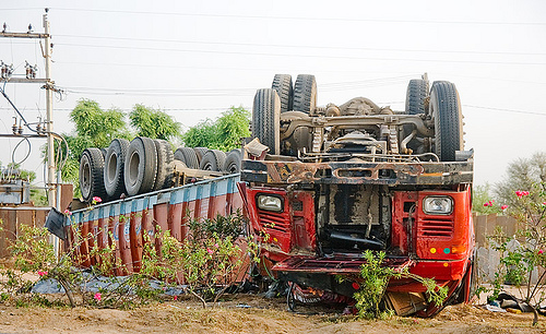 overturned truck - big rig accident (india), artic, articulated lorry, collision, india, overturned truck, road crash, rollover, semi truck, semi-trailer, tata motors, tractor trailer, traffic accident, traffic crash, truck accident, up side down, wreck