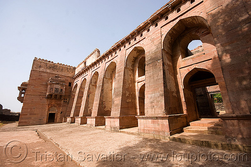 palace ruin - mandu (india), architecture, building, mandav, ruins, stone, vaults