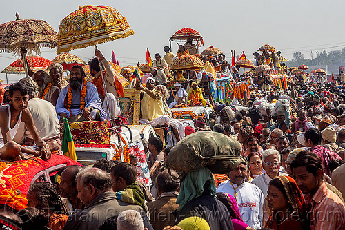 parade of gurus - kumbh mela (india), cars, crowd, float, gurus, hindu, hinduism, kumbh maha snan, kumbha mela, maha kumbh mela, mauni amavasya, parade, people, procession, street, traffic jam, umbrellas