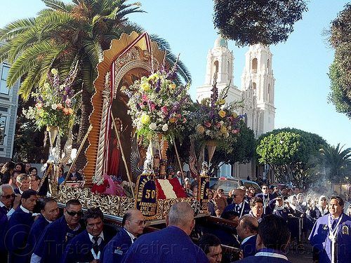paso del señor de los milagros - catholic procession at mission dolores (san francisco), church, crowd, float, lord of miracles, mission dolores, mission san francisco de asís, painting, parade, paso de cristo, peruvians, sacred art, señor de los milagros