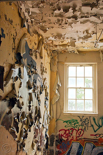 peeling paint - abandoned hospital (presidio, san francisco) - PHSH, abandoned building, abandoned hospital, graffiti, peeling paint, presidio hospital, presidio landmark apartments, trespassing